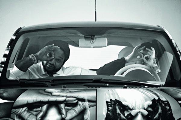 HMN и журнал Intersection «замаскировали» знаменитостей на машинах Fiat 500