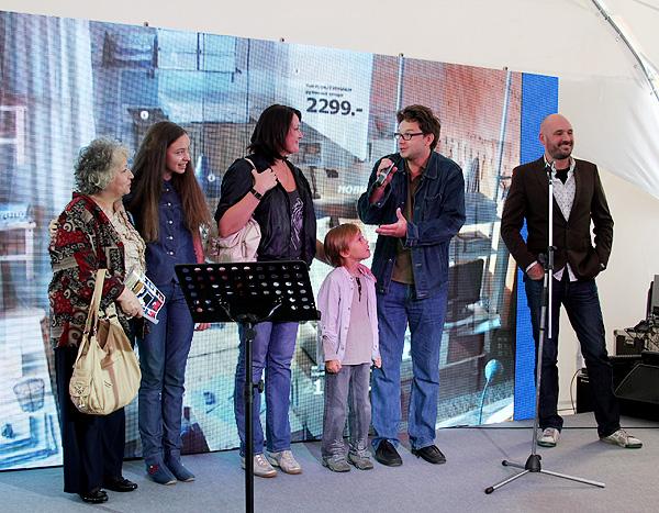 Николас Йонссон и семейство Стоговых
