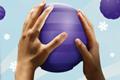 """Cadbury устроил марафон мячей с GPS-устройствами в рамках кампании """"Точки против полосок"""""""