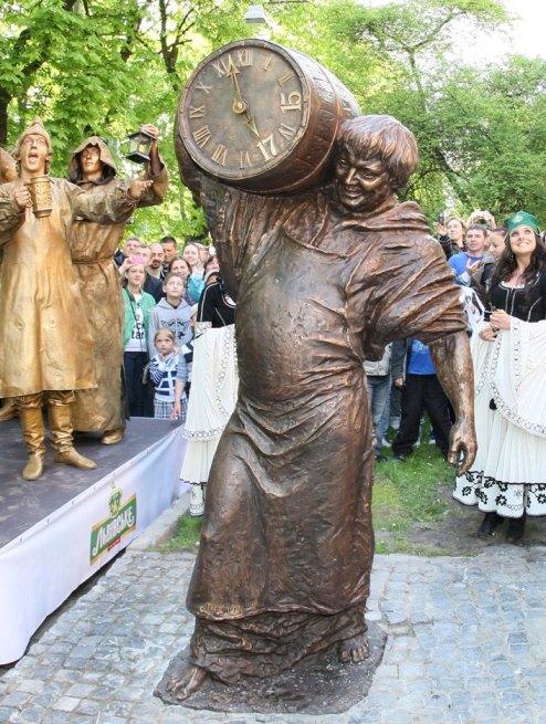 Памятник пивоварам во Львове