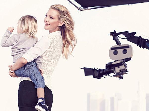 Кейт Хадсон с сыновьями в новой рекламной кампании
