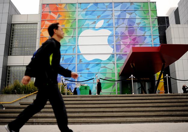 Apple может выпустить iPhone 6 в конце лета или в начале осени
