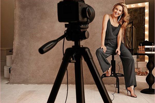 Кейт Хадсон в рекламе вечерней коллекции Lindex