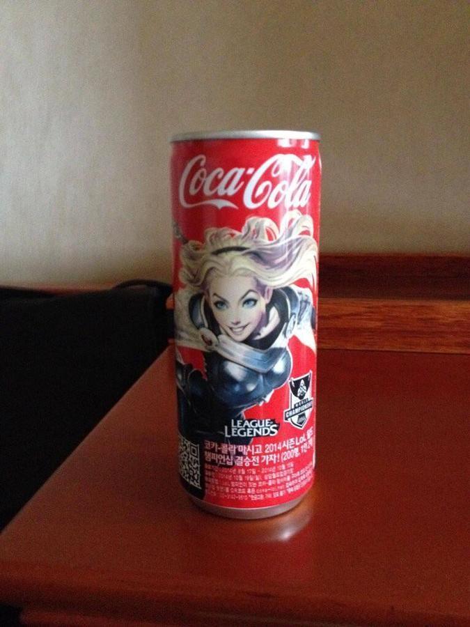 Новая упаковка Coca Cola с героями League of Legends