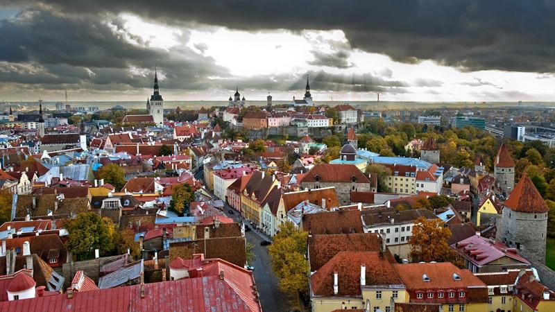 В Таллине уберут уличную рекламу табака, алкоголя и быстрых кредитов.