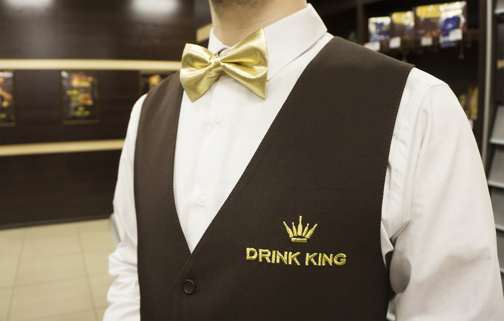 Нейминг и фирменный стиль алкомаркета «Drink King».