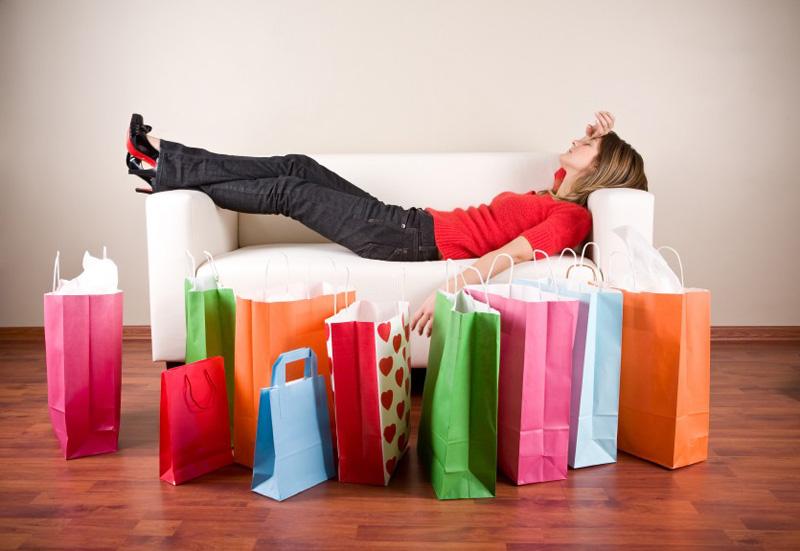 Этой зимой россияне будут экономить и пересмотрят свои шопинг-привычки.