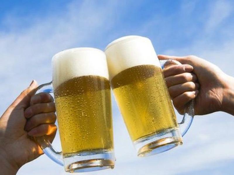 Эксперты предлагают вернуть рекламу алкоголя и лекарств.