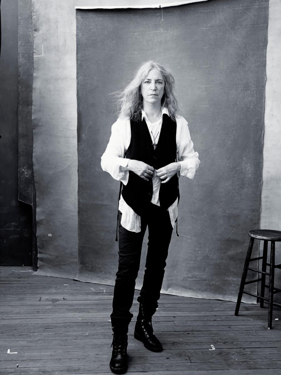Ноябрь – певица и поэтесса Патти Смит.