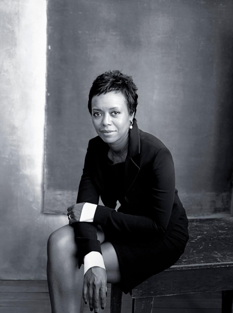Июнь – продюсер и борец за расовое равенство Меллоди Хобсон.