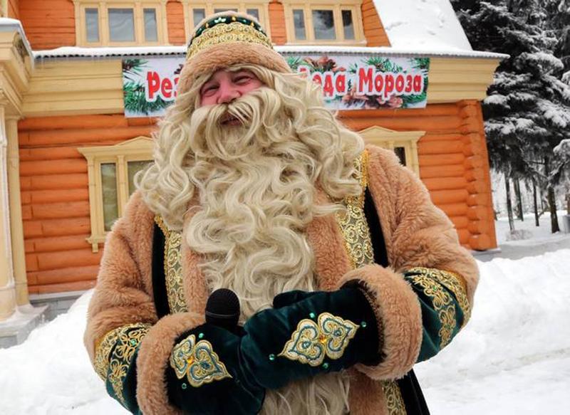 Предновогодний бой за бренд Деда Мороза.
