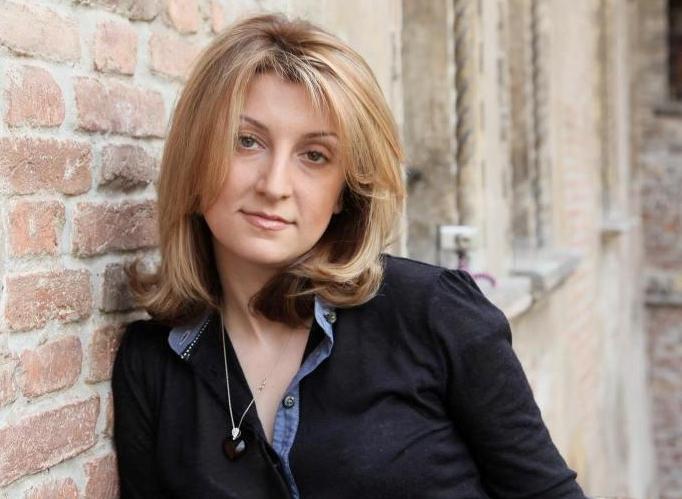 Нелли Яралова.