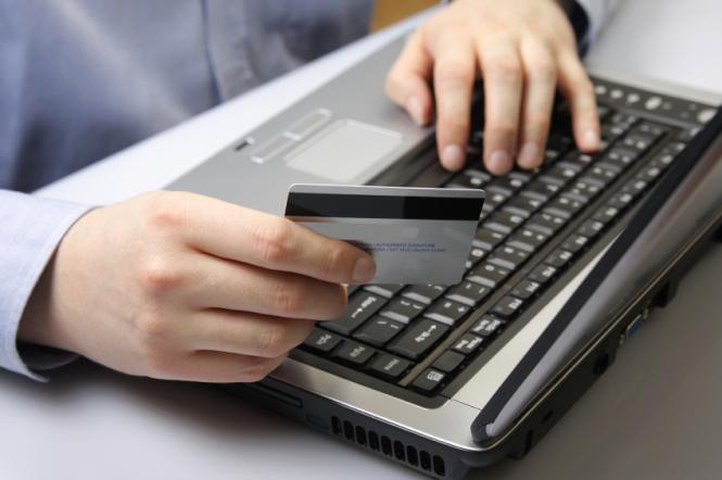 Потребители активно осваивают новые способы оплаты.