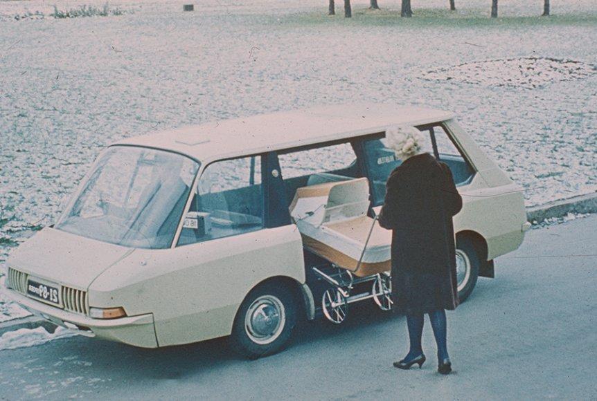 Экспериментальное советское такси / Перспективное такси (1964, художники-конструкторы Ю. Долматовский, А. Ольшанецкий, А. Черняев).