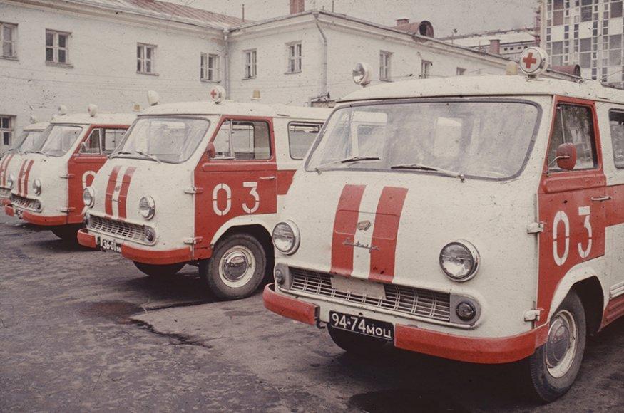 РАФ-977 (1960, художник-конструктор С. Мирзоян).