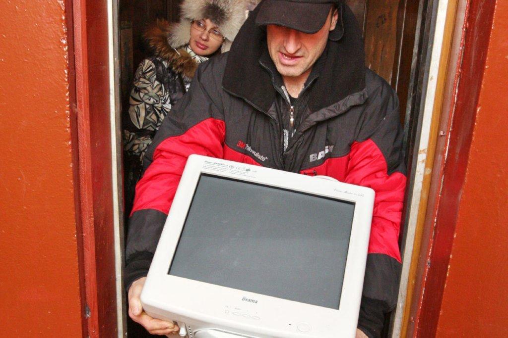 В московских подъездах поставят телевизоры.