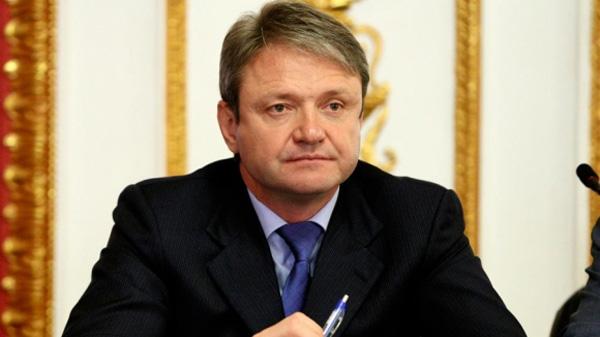 Александр Ткачёв предложил разрешить рекламу российского вина после 22:00.