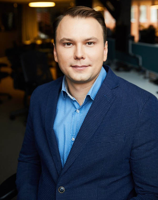 Артем Кувшинов.
