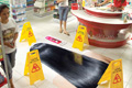 "Нестандартная реклама ""Wet Floor""  Агентство: BBDO Philippines  Рекламодатель: BioLink  Бренд: BioLink"