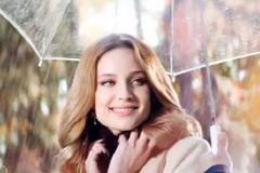 """Телереклама """"Осень""""  Агентство: MILK  Рекламодатель: Снежная Королева  Бренд: Снежная Королева"""